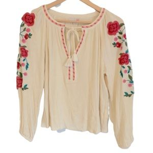 Gianni Bini floral embroidered peasant blouse. M
